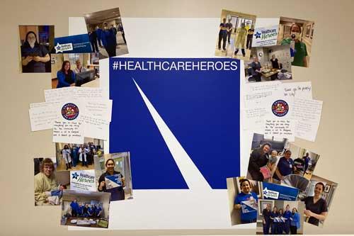 Muro de héroes de la salud para reconocer al personal